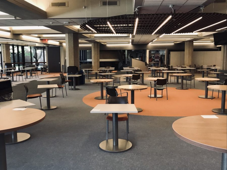 GSU%27s+renovated+cafeteria+area+sits+empty+as+most+classes+are+held+remotely.+%28Photo+by+Madelynn+Prieboy%29